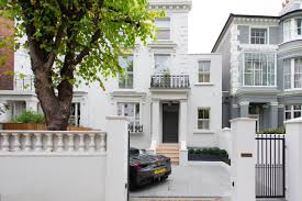 104 Notting Hill Houses To Buy A Townhouse With A Modern Minimalist Makeover Property Property Luxury London