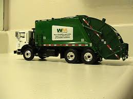 First Gear Garbage Truck | First Gear Mack Mr WM Rear Loader… | Flickr
