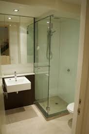 Small Bathroom Remodel Ideas On A Budget by Best 25 Small Bathroom Makeovers Ideas On Pinterest Small