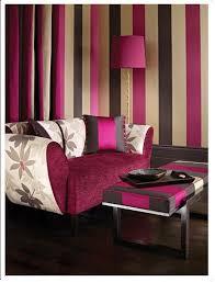streifen an der wand wohnzimmer lila wohnzimmer braun