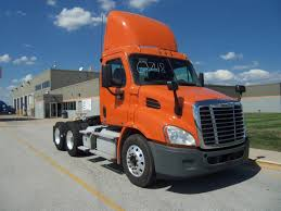 USED DAYCABS FOR SALE IN IL Used Daycabs For Sale In Il 2013 Peterbilt 386 406344 Miles 225872 Easy Fancing 422550 Mack Cventional Trucks In Illinois For Sale Used On Pickup Sales Truck Near Me Arrow Donates Volvo Vnl 670 To Women In Trucking Giveaway Freightliner Trucks Intertional Tandem Axle Sleepers N Trailer Magazine Mack All Equipment