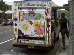 This Retro Ice Cream Truck Is Decorated With An Eye Catching Design Its Used To Shuttle Blooms And Spread Floral Joy Round Los Angeless Westside