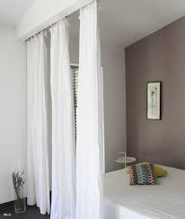 rideaux en comme séparation de pièce