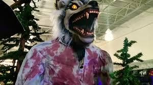 Spirit Halloween Animatronic Mask by Limb Ripper Werewolf Animatronic At Spirit Halloween 2017 Youtube