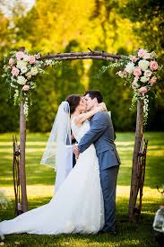 Simple And Gorgeous Rustic Floral Wedding Arch Ideas