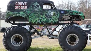 100 Biggest Monster Truck The Story Behind Grave Digger The Everybodys Heard Of