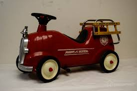 100 Radio Flyer Fire Truck Model Household Auctions