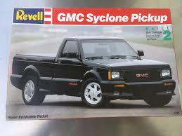 GMC Syclone Pickup Truck Revell 1:25 Model Plastic Kit Vtg Htf ... Gmc The Crittden Automotive Library 69 Ford F100 Shop Truck Scaledworld Amazoncom Revell 57 Gasser 2in1 Plastic Model Kit Toys Model Jet Semi Custom With Bonus Build Youtube Kenworth Heavy Hauler Stop Cars 125 Revell Kevin Vandams Team Profish Silverado Truck Amigo Pack W900 Wrecker 852510 New Aeromax 120 Kits Hobbydb K100 An Amt Box 125th Finescale Modeler Pin By Roman On Italerirevellamt Trucks 124 Pinterest Modelling News Italeris Catalogue New Items Of 62017 1 25 Scale Peterbilt 359 Cventional Tractor Ebay