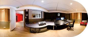 100 Studio Son Le