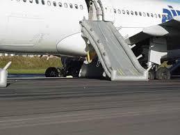 d un airbus a330 de la compagnie air transat lajes île