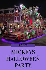 When Does Disneyland Remove Christmas Decorations by The 25 Best Disneyland Attendance Ideas On Pinterest Disney