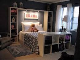 The Lighting Design Of This Bedroom Is A Good Choice For People Who Have Habit