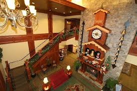 Christmas Tree Inn Pigeon Forge Tn by The Christmas Inn Pigeon Forge Tennessee Sanjonmotel