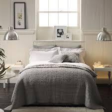 Amazing Neutral Bedroom Design 7