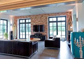 moderne einfamilien villa in rustikalem gewand industrial