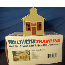 100 United Trucking HO Scale Railroad Walthers Terminal 931804 2014
