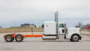 Peterbilt 389 - Fitzgerald Glider Kits The Classic 379 Peterbilt Photo Collection You Have To See Custom Trucks 2018 389 300 Stand Up Sleeper Under Drop Lighting Clint Moore For Sale Peterbilt Retruck Australia Usa Day Cab For 387 Tlg 1994 Peterbilt Custom Youtube Used Ari Legacy Sleepers