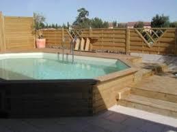 comment installer et aménager une piscine semi enterrée en bois
