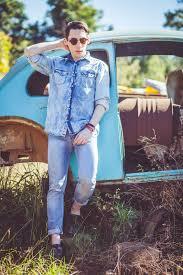 men u0027s light blue denim shirt light blue jeans dark green