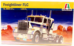 100 Model Fire Truck Kits Italeri 3859 Freightliner FLC 124 New Plastic Kit For