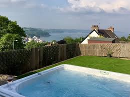 100 Housein Luxury House In Saundersfoot With SKY TV HOT TUB SEA VIEWS 5 Mins To Beach Saundersfoot