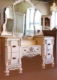 Vanity Mirror Dresser Set by Best 25 Vintage Vanity Ideas On Pinterest Vanities Antique