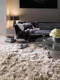 hochflorteppich bright beige teppich wohnzimmer vorhänge