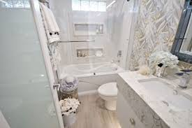 Remodeling Small Bathroom Ideas And Tips For You Small Bathroom Renovation Ideas Renovateme Bathroom Reno