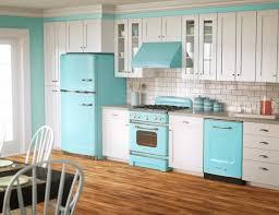 Retro Kitchen Decor With Blue Cabinets