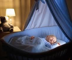 baby weint im schlaf 7 gründe und tipps familie de