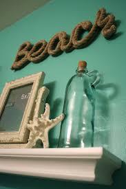 Beach Hut Themed Bathroom Accessories by Best 25 Beach Themed Bathroom Decor Ideas On Pinterest Seashell