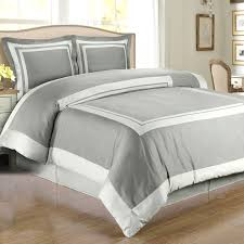 Contemporary Gray and White Queen forter Set with Twin XL