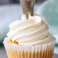 Whipped Cream Frosting Pipes Well And Can Be Made Ahead Perfect For Cupcakes