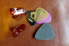 Debunking The Ukulele Plectrum Nonsense