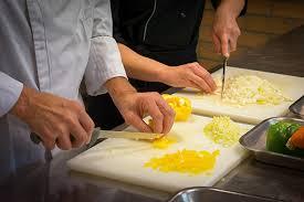 emploi commis de cuisine emploi saisonnier devenez commis de cuisine afpa
