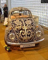 سيارات مرصعة بألأماس و دهب images?q=tbn:ANd9GcQ