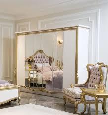 casa padrino luxus barock schlafzimmerschrank weiß gold 270 x 70 x h 224 cm edler massivholz kleiderschrank schlafzimmer möbel im barockstil