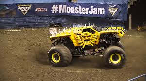Monster Jam Featuring The AMSOIL Series - [Round 4 - East Series ... Monster Jam Atlanta Hawks To Lead Thursday Onsales Truck Show Milwaukee Youtube Returns Sun Bowl Saturday And Sunday Announces Driver Changes For 2013 Season Trend News Will Be Performing At The Bmo Harris Bradley Center This Zombie Freestyle 12018 7pm Show Youtube Breaks Grounds In Saudi Arabia Argentina Coliseum Rolls Into Dtown Weekend Sudden Impact Racing Suddenimpactcom Petco Park