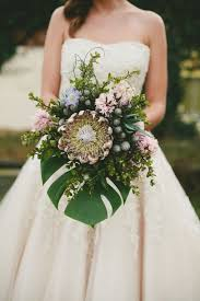 Kuu Lei A Stylized Shoot In Hawaii Tropical Wedding BouquetsTropical