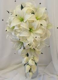Replica of Kate Middleton s Bouquet with Lily of the Valley Freesia