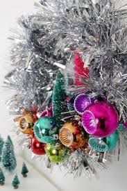 Gold Christmas Tree Tinsel Icicles by How To Make Tinsel Tassels From Christmas Tree Icicles Mighty