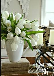 Tulips Are Truly Spring Flowers And They Can Easily Turn Your Home Into A Oasis Ive Prepared Some Arrangement Ideas That Be Repeated