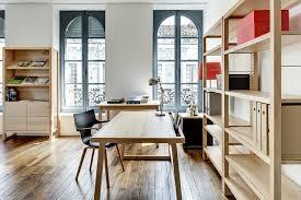 bureau contemporain bois massif bureau naturel bois massif 150 cm contemporain bureau à