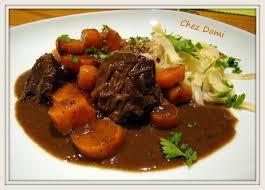 cuisiner joue de porc joue de bœuf aux carottes et sauce au chocolat domi vous ouvre