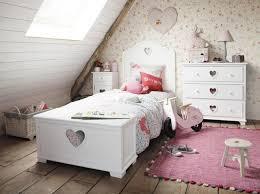 chambre enfant maison du monde des tapis pour une chambre d enfant joli place