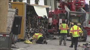 100 Truck Driving Jobs In New Orleans Penske Moving Truck Overturns On Turnpike Spilling Tons Of Shoes