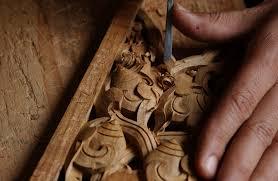 woodcarving norbulingka