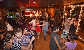 Halloween Town Burbank Ca 91505 by Joe U0027s Great American Bar U0026 Grill Live Los Angeles