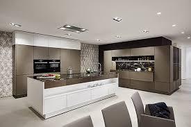 siematic musterküche geräumige küche in ausgefallener und