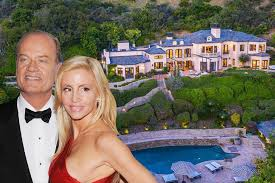 100 Mansions For Sale Malibu Camille Grammers Master Bedroom At Beach House Photos